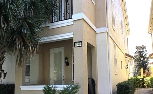 Villa Cayman - 160m2, 3 chambres, 3 salles de bains, double garage.
